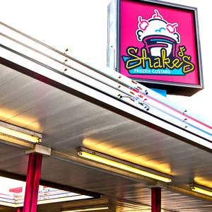 Shake's // LR016