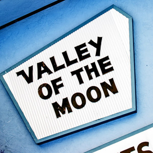 Valley of the Moon // CA200