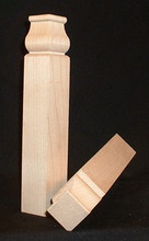 Maple inside cornerblock, traditional style