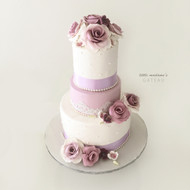 purple and white tone wedding cake