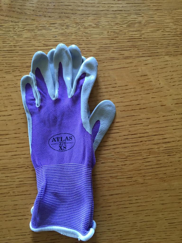 Size XS- comes in purple