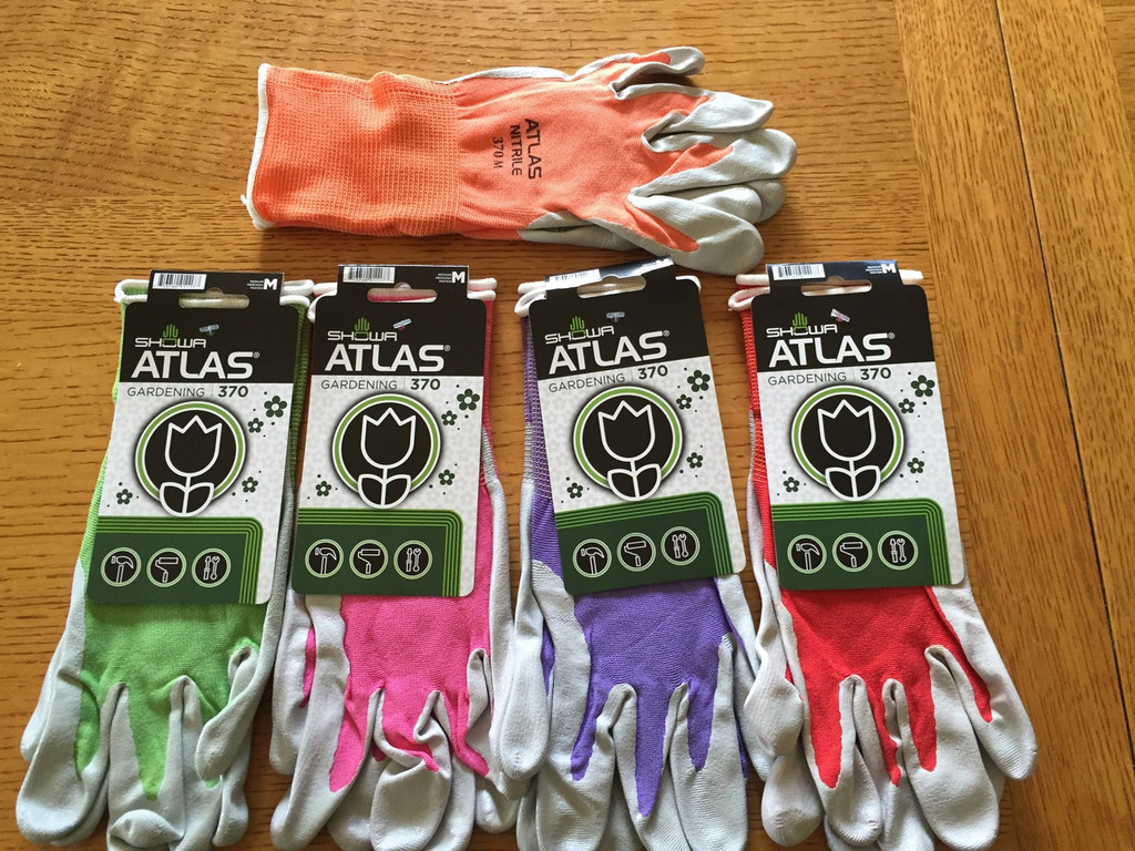 """Size M- comes in light green, pink, purple, red, and orange. If you have a color preference, please write it in the """"order comments"""" box at check out."""