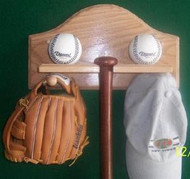 BASEBALL BAT AND BALL DISPLAY,Combo Bat, Balls, Glove & Hat Display AA 207