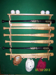 6 bat, 4 ball, 5 shaker pegs GG 206