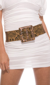 Slither into some style with this one size fits all reptile buckle belt. It's sure to be a hot-blooded night with this belt! Features a textured faux reptile leather front and solid brown elastic band on the back and sides.