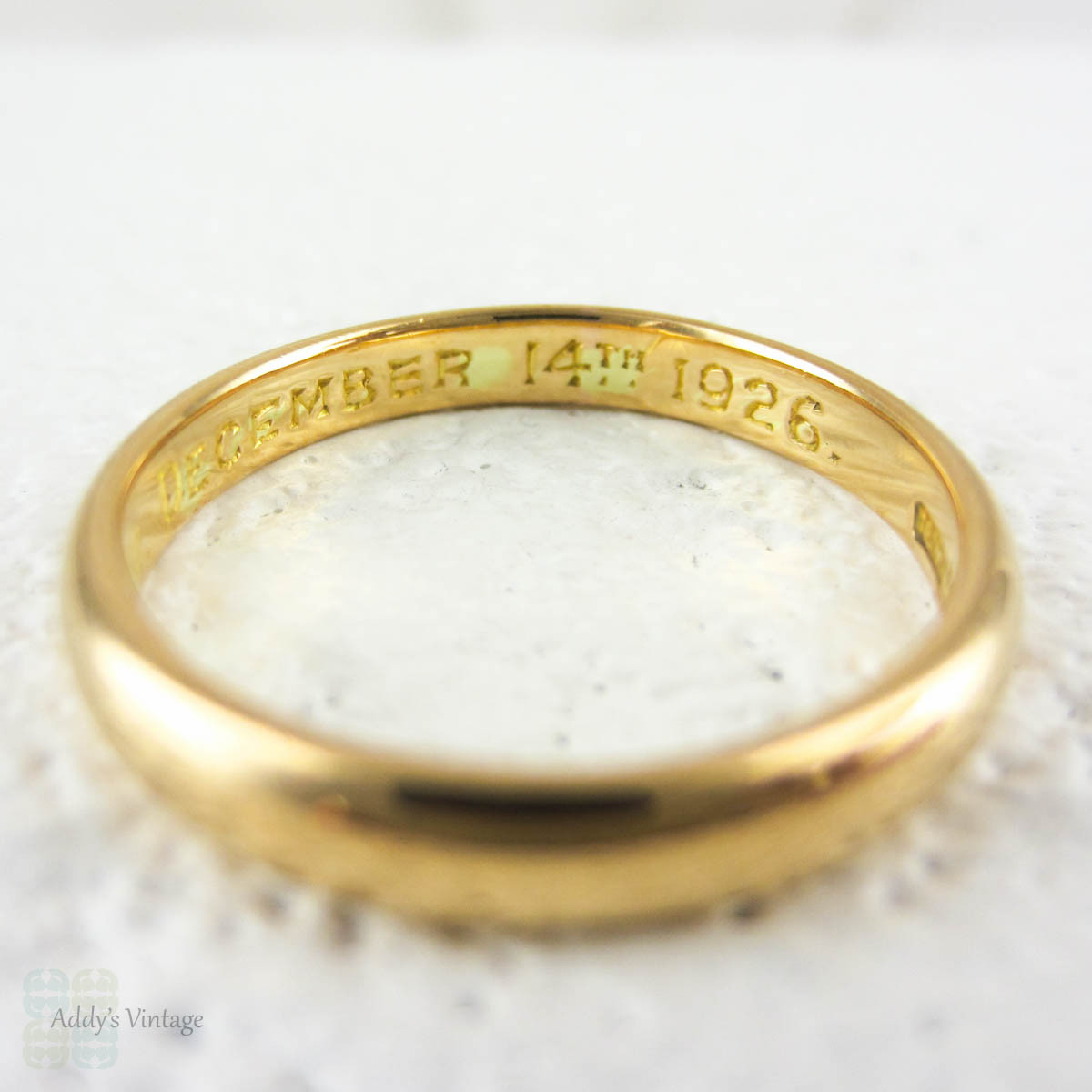 Vintage 22 Carat Yellow Gold Wedding Ring Bright Yellow Gold Court Fit Weddi