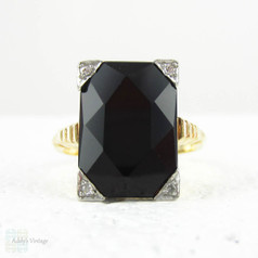 Onyx & Diamond Panel Ring, Late Art Deco Cocktail Ring Set with Black Onyx & Diamond Corners in 14 Carat Gold & Platinum, Circa 1930s - 1940s.