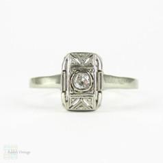 Filigree Diamond Ring in 14 Carat White Gold, Geometric Design Panel Ring. Circa 1930s.
