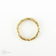 Antique 15 Carat Gold Split Ring, Engraved Floral Design 14.6 mm Split Ring for Joining Jewellery or Charm Holder, Circa 1800s.