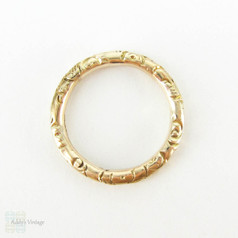 Antique 9 Carat Gold Split Ring. Engraved Floral Design 15.1 mm Split Ring for Charms, Fobs and Chains, Circa Mid 1800s.