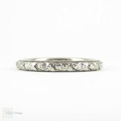 Art Deco Engraved Wedding Ring, 18k White Gold Orange Blossom Wedding Band with Milgrain Beading. Circa 1930s, Size I / 4.5.