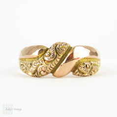 Antique Deakin & Francis Engraved Ring, Faceted & Engraved Art Nouveau 9 Carat Rose Gold Ring. Circa 1910s.