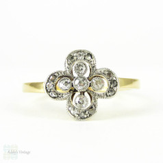 Antique Floral Design Diamond Ring, Flower Shape Ring with Milgrain Beadings. Circa 1900, 18ct.