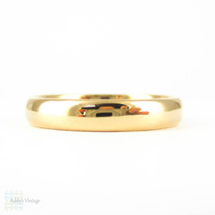 1950s 22 Carat Gold Wedding Ring. Traditional D Shape Profile Men's or Women's Gold Wedding Band in 22ct. Size R.5 / 9.
