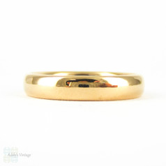 Art Deco 22 Carat Gold Wedding Ring. Court / Comfort Fit Ladies Medium Width Band. Circa 1930s, Size M / 6.25.