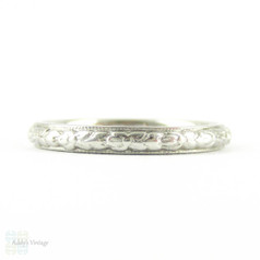 Art Deco Engraved Wedding Ring, Orange Blossom Design Floral Pattern Narrow Wedding Band with Milgrain Beading. Circa 1920s, Size M.5 / 6.5.