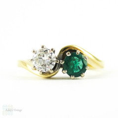 Diamond & Emerald Toi et Moi Engagement Ring, Vintage Two Stone Ring in 18 Carat Yellow Gold, Circa 1990s.