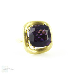 Retro Amethyst Single Stone Ring, Vintage 14k Yellow Gold Purple Gemstone Ring in Double Claw Setting. Circa 1960s.
