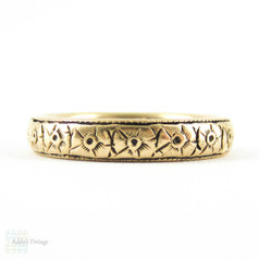 Antique Engraved Wedding Ring, Flower Blossoms in 14K. Circa 1910s, Size N.5 / 7.