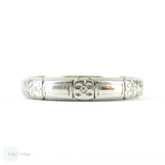 Art Deco Engraved Anniversary Ring, Floral & Ribbon Design Wedding Band. Circa 1930s, 18K White Gold. Size P.5 / 8.