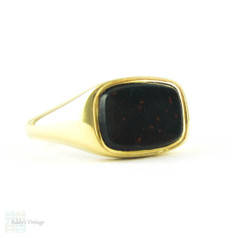 Bloodstone 18ct Signet Ring, Art Deco 1920s Yellow Gold Blank Men's or Women's Signet Ring.
