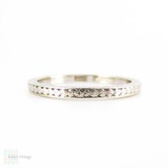 Antique Engraved Platinum Wedding Ring, Narrow Ladies Hand Engraved Flower Pattern Band. Circa 1900, Size H.5 / 4.25.