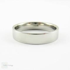 Estate Man's Platinum Wedding Band, Clasic Flat Court 5 mm Platinum Wedding Ring. Size W / 11. 9.25 grams.