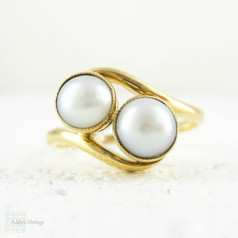 SALE Vintage Pearl Bypass Ring, Double Twin Cultured White Pearl Crossover Style Twist Ring, Toi et Moi Pearl Ring in 18 Carat Yellow Gold.