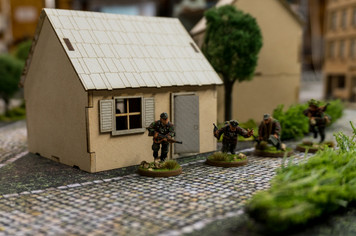 28mm Small Country Home - 28MMDF552