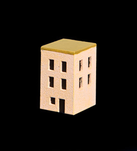 Small 3 Story Building With Flat Roof  (Resin) - 285ITM013
