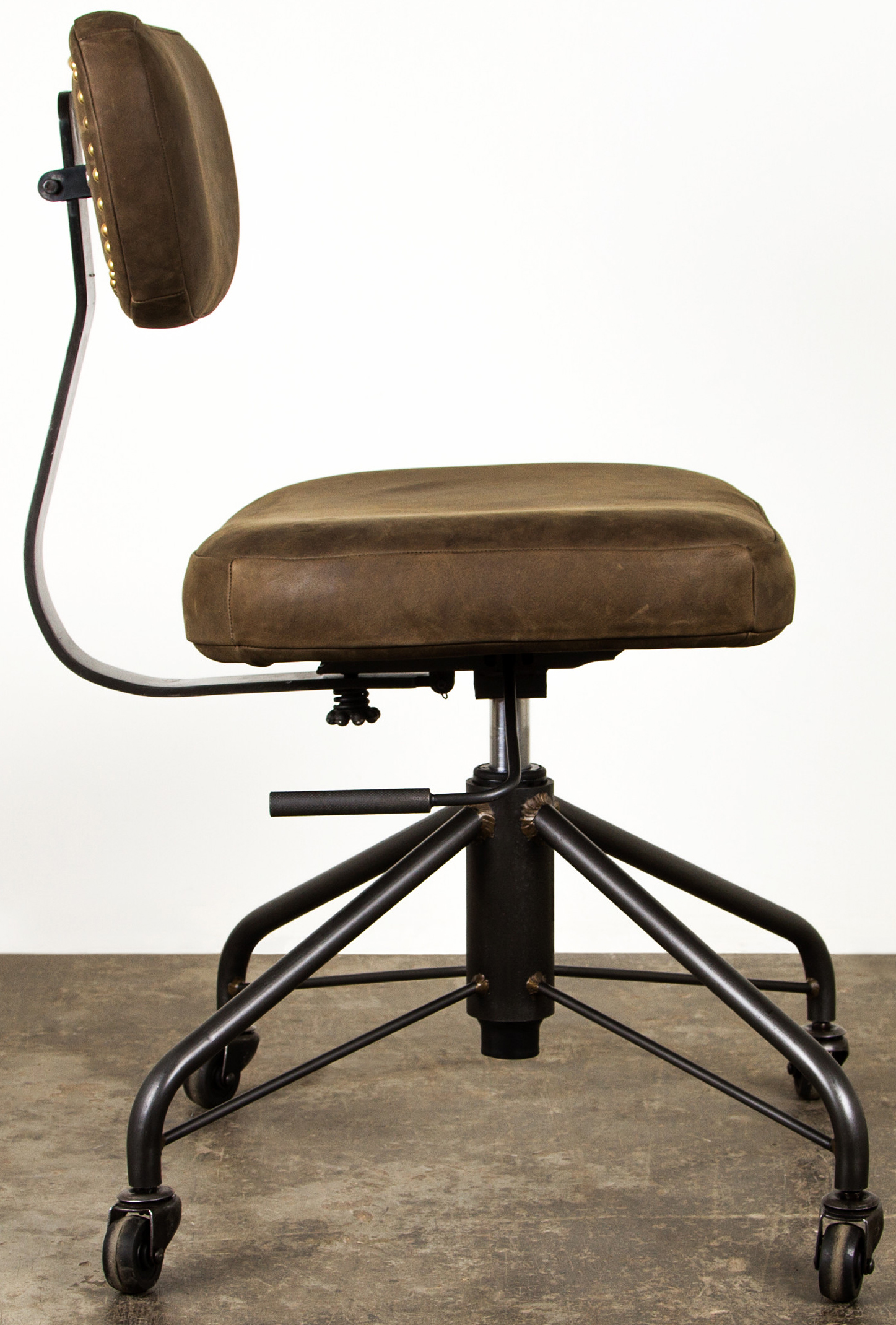 industrial style office chair. Price: Industrial Style Office Chair D