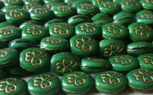 25 Opaque Kelly Green 9x10mm Oval Glass Beads with Gold Clover ~ Shamrock