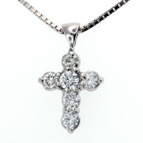 .64ct GVS2 Diamond Cross in 14kt White Gold