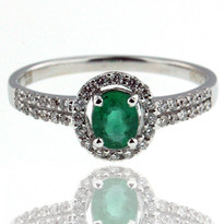 18kt White Gold Round Emerald Ring with Dia