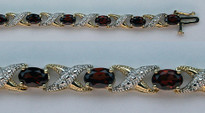 14kt Yellow Gold Garnet Bracelet with 10.6ct Garnet