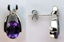 Amethyst Diamond Earring set in 14kt White Gold