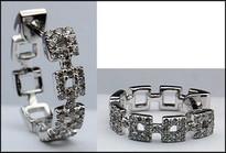 18kt Square Diamond Earrings