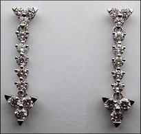 18kt Dangling White Gold Diamond Earrings