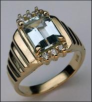 14k Aquamarine Ladies Ring