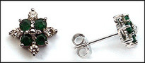 Cluster Emerald Earring of 8 Diamonds and 8 Emeralds