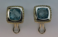 14kt Gold Blue Topaz Earrings