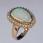 14kt Gold Opal Ring with Diamonds