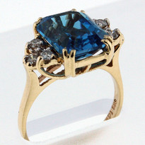 14kt Gold Blue Topaz and Diamond Ring 03YMLS