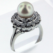 8mm Cultured Pearl Ring  White Gold