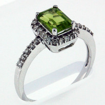 1.09ct Peridot and Diamond Ring - White Gold