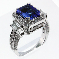 14kt Tanzanite and Diamond Ring