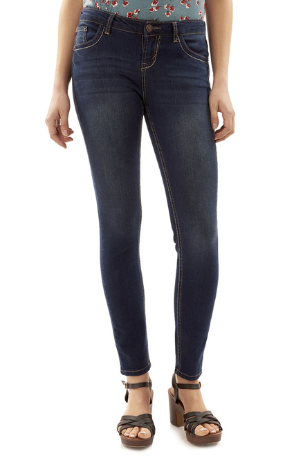 Basic Legendary Skinny Jeans In Scarlett