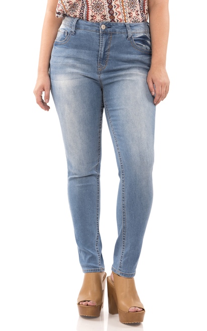 "Plus Basic Sassy Skinny Jeans (30-32"") In Darcy"