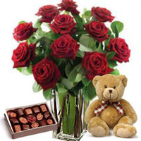6 Red Rose Bunch With Teddy And Chocolates