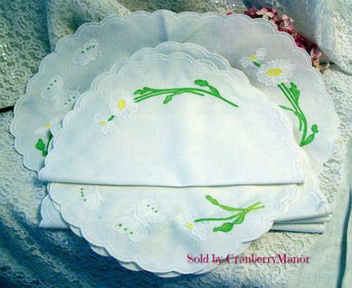 6 White Butterfly and Daisy Appliqued Placemats, Vintage Linen Gift